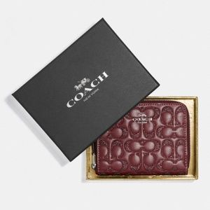 COACH Gift Boxed Small Zip Leather Wallet